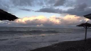 Это стоит посмотреть. Шторм на море. Первое утро нового 2019 года. Лазаревское, Сочи