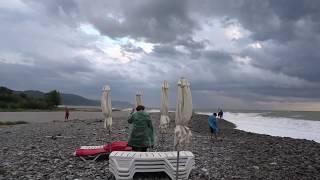 """Первый осенний шторм! Пляж """"Багратиона"""" в Лазаревском, 8 сентября 2018"""