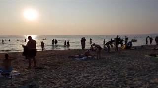 Анапа. Центральный пляж. 29 июля 2019 г. Очень хороший песчаный пляж. Особенно для детей