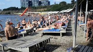 """29 июня 2018г. Анапа.Галечный пляж  """"Высокий берег"""".Чистое море и  много отдыхающих"""